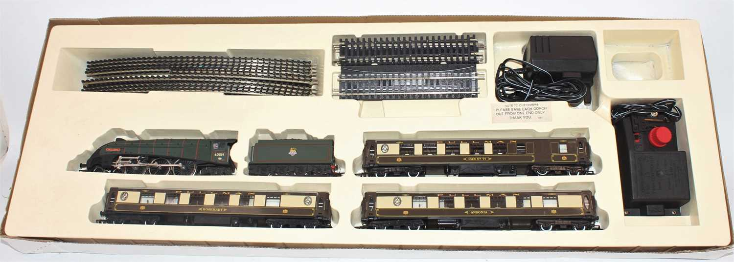 Hornby (Margate) Tyne Tees Pullman R770 set comprising Bittern A4 loco and tender, 3 Pullman - Image 2 of 2