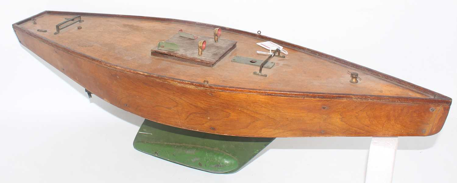 Pond Yacht group, 2 examples to include a home made wooden pond yacht with stained hull and deck, - Image 2 of 4