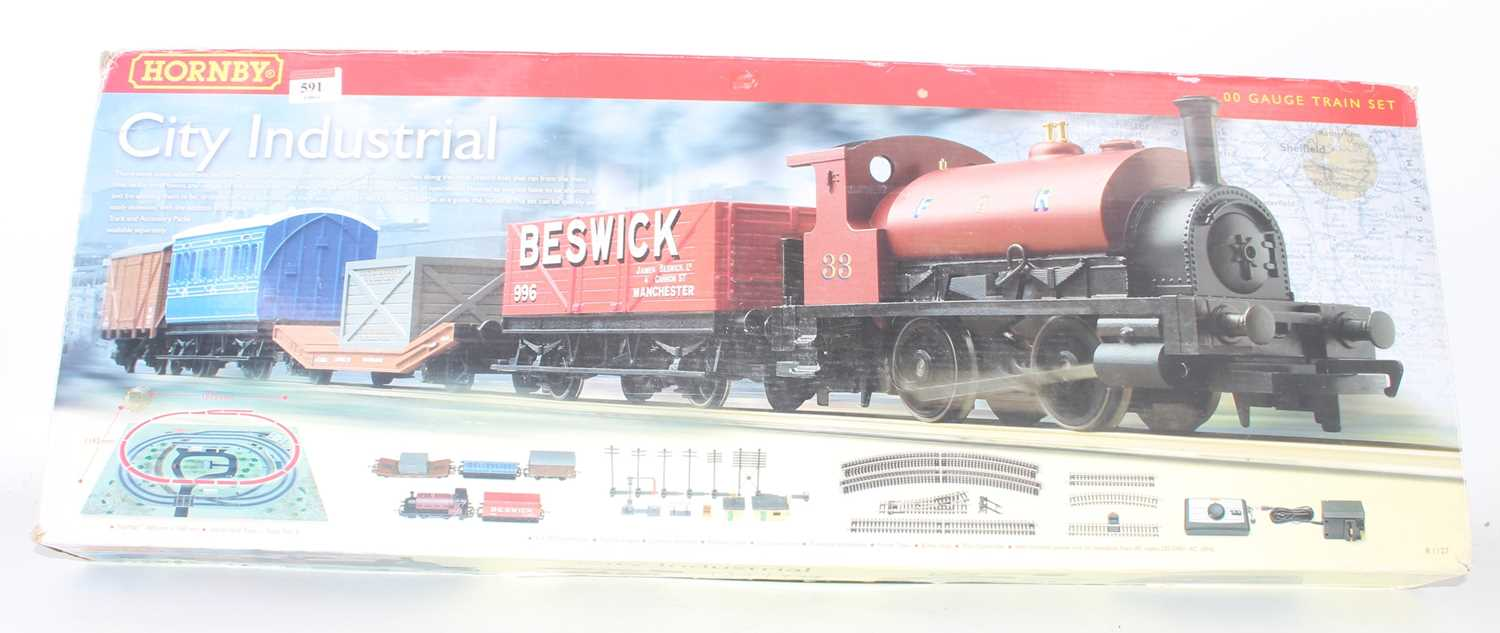 A Hornby Railways City Industrial boxed train set comprising of FR 0-4-0 locomotive and four
