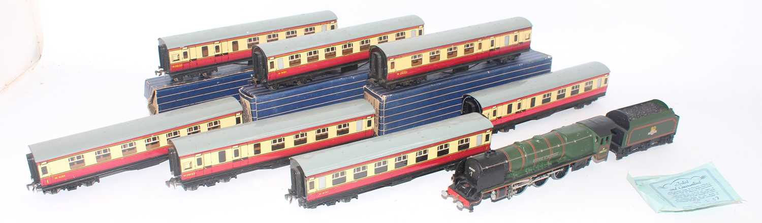 EDL12 Hornby Dublo Duchess of Montrose matt loco and tender (VG) with 7 D12 maroon and cream coaches