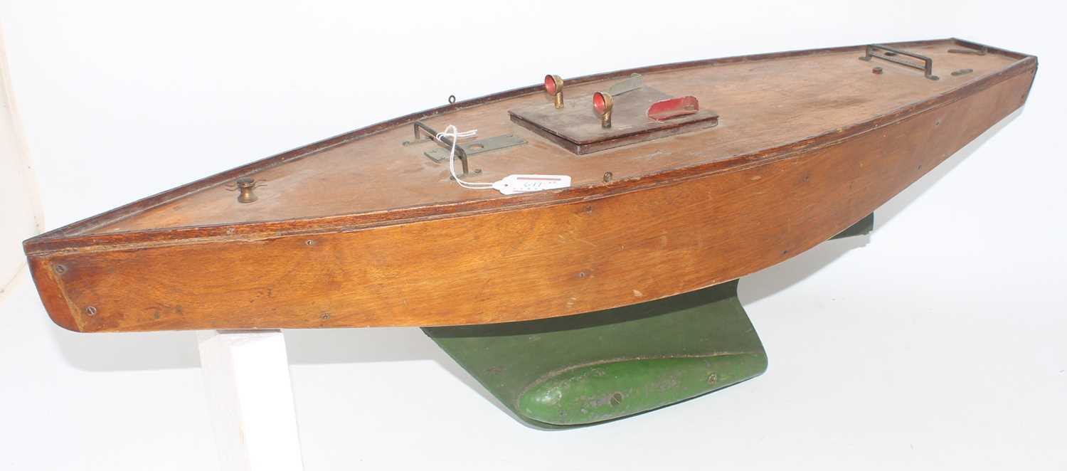 Pond Yacht group, 2 examples to include a home made wooden pond yacht with stained hull and deck, - Image 3 of 4