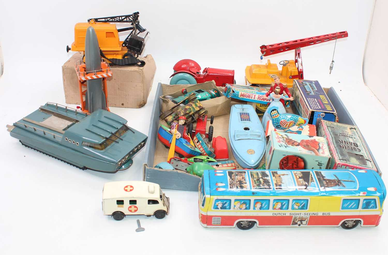 Collection of various tinplate cars and novelty toys in play-worn condition, to include Battery - Image 2 of 6