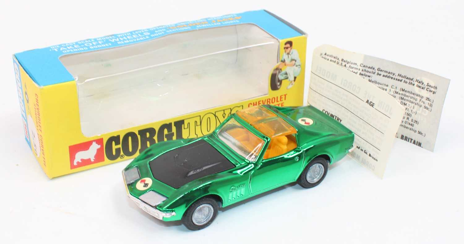 """Corgi Toys 300, Chevrolet Corvette Stingray coupe in metallic green with """"Take off wheels"""" in mint - Image 2 of 2"""