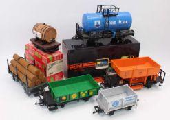 Large tray containing LGB goods wagons: 'Chemical' tank wagon, blue (E-BE); 4047 barrel wagon (E-