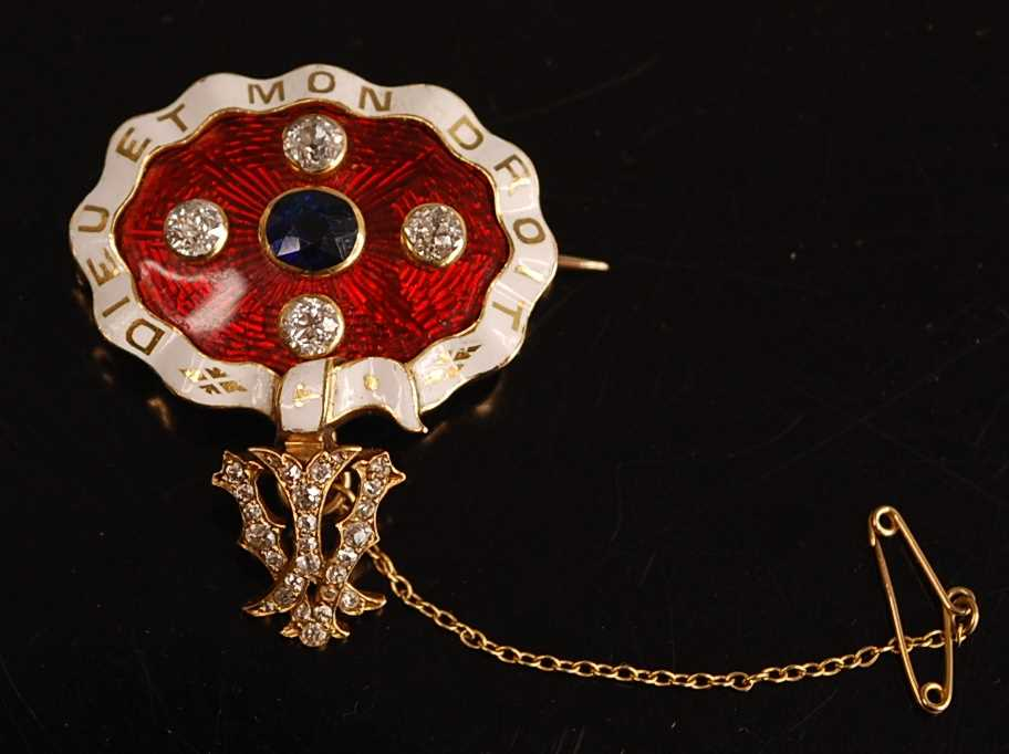 A yellow metal, sapphire and diamond enamel brooch, comprising an oval panel in red guilloche enamel - Image 5 of 9
