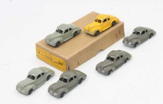 """Dinky toys no.39f Studebaker """"State Commander"""" Coupe Trade box of 6, all in good-very good condition"""