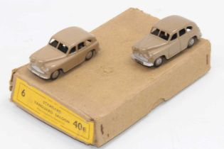 Dinky Toys 40e original Trade box of 2 Standard Vanguard Saloon in fawn with open rear wheel arch (