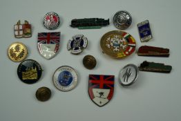 Sundry railway and other badges and buttons