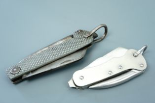 A Royal Navy issue jack / clasp knife together with a 1992 MOD issue folding knife
