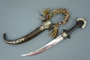 A Middle Eastern jambiya dagger, 40 cm overall