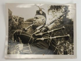 [Victoria Cross / Medal / Autograph] A 1934 press agency photograph of Piper Daniel Laidlaw, VC,