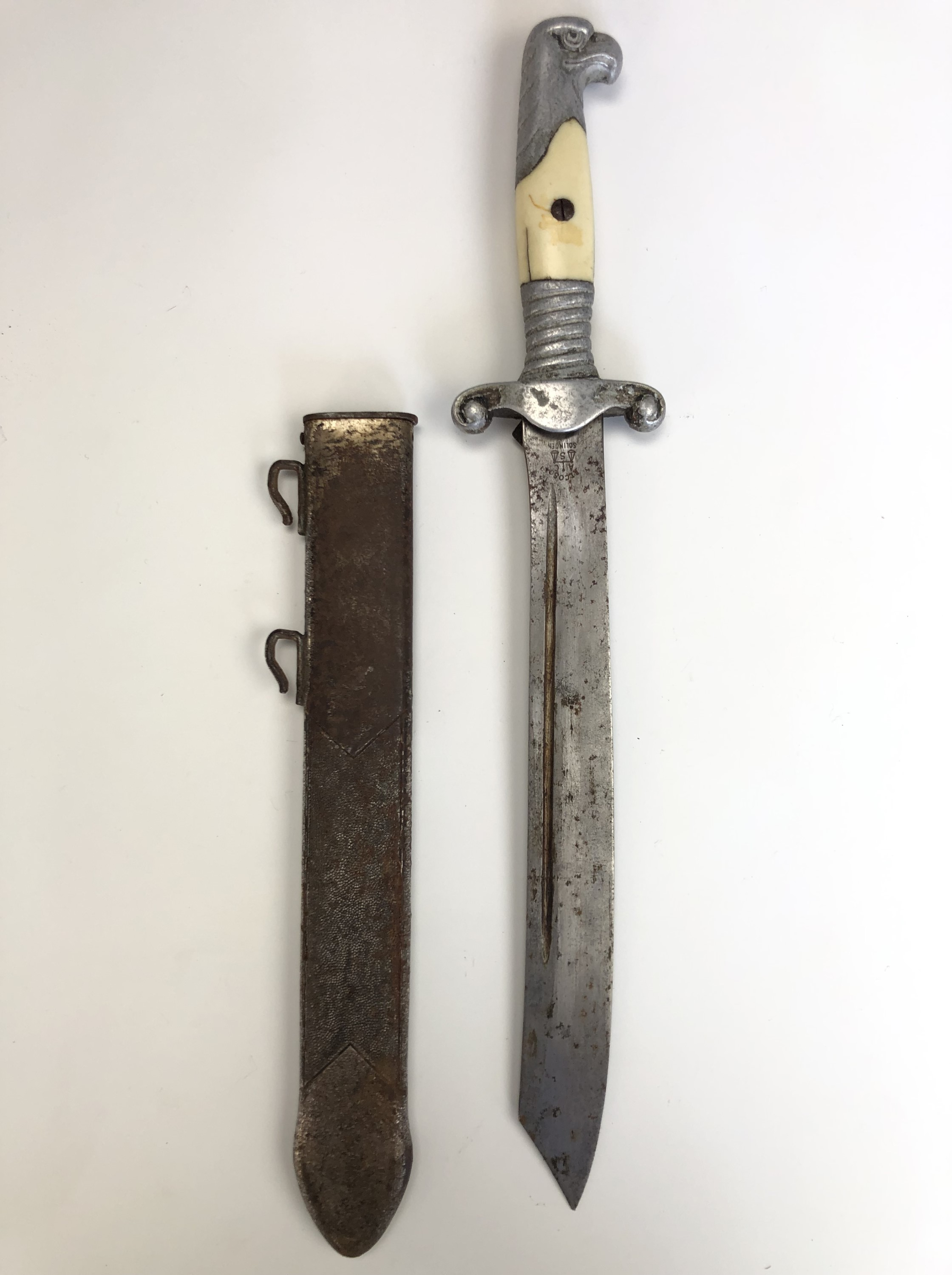 A German Third Reich RAD officer's dagger by Alcoso, with hanging straps - Image 4 of 9