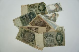 A quantity of Weimar German and 1940s French banknotes