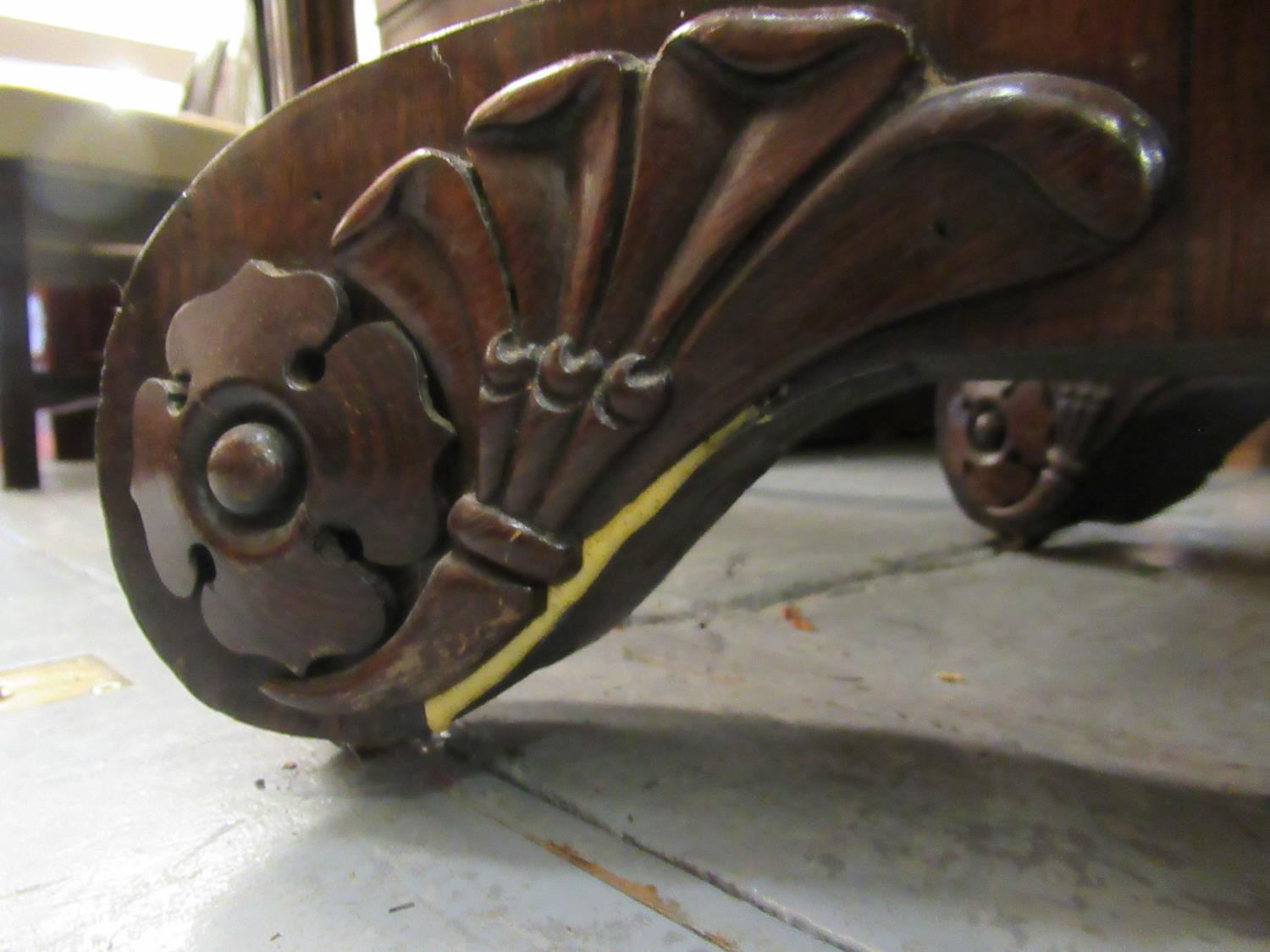 William IV rosewood fold-over card table with tulip carved column support and quadruped base, - Image 10 of 10