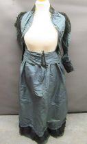 Good Victorian / Edwardian ladies dress
