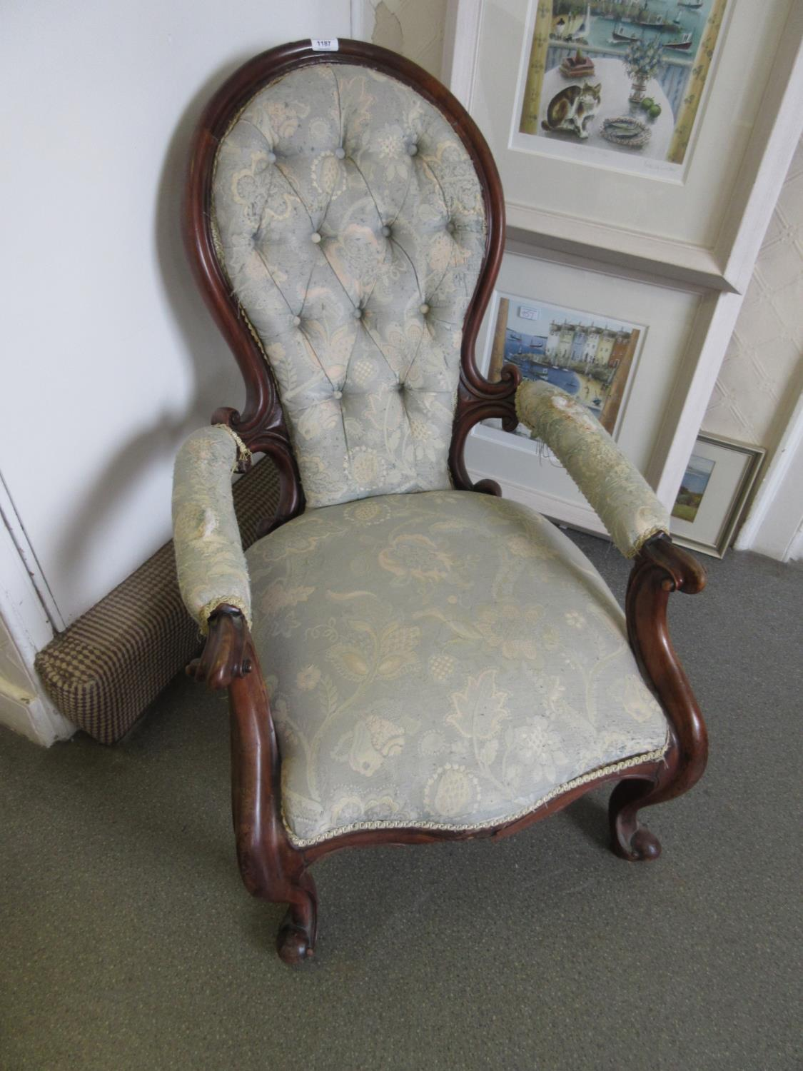 Victorian walnut button upholstered spoon back armchair having C-scroll carved arm supports and legs - Image 2 of 2