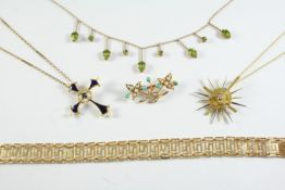 A QUANTITY OF JEWELLERY including a two colour gold and diamond sunburst pendant, 6.3 grams, an