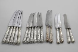 A QUANTITY OF ASSORTED LATE 20TH CENTURY KING'S PATTERN KNIVES with stainless steel blades to