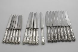 KING'S PATTERN KNIVES:- A set of eight table knives by Cooper Brothers & Sons, Sheffield 1960, a set