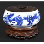CHINESE PORCELAIN BLUE & WHITE CENSER - KANGXI Qing Dynasty Kangxi period, the rounded sides