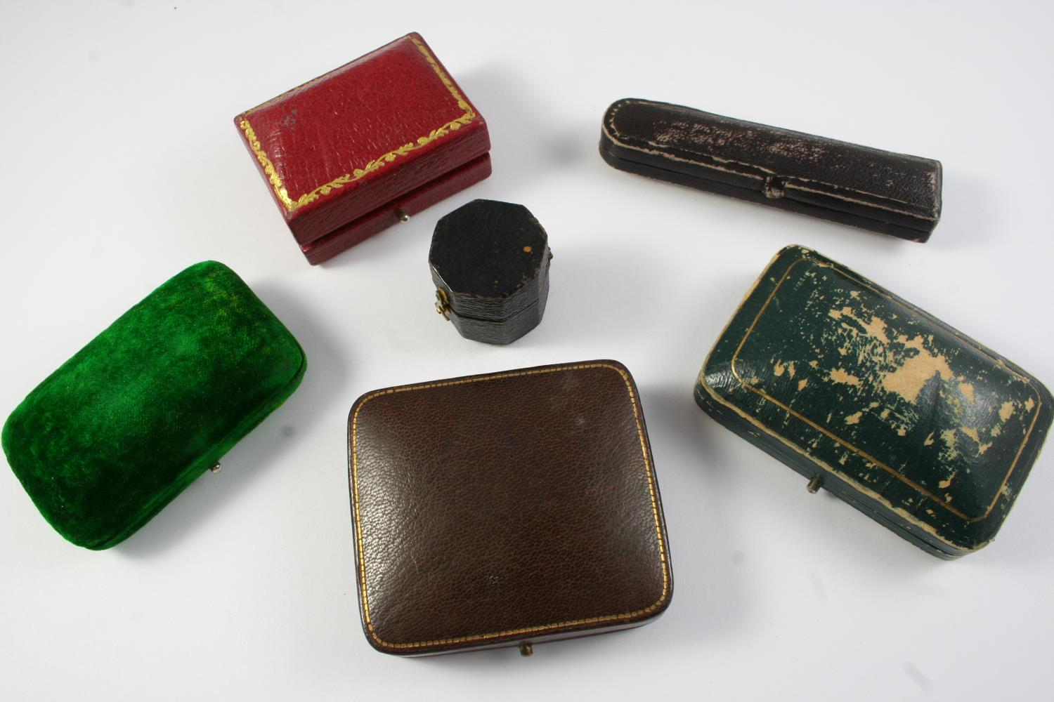 A QUANTITY OF ASSORTED JEWELLERY BOXES - Image 4 of 6