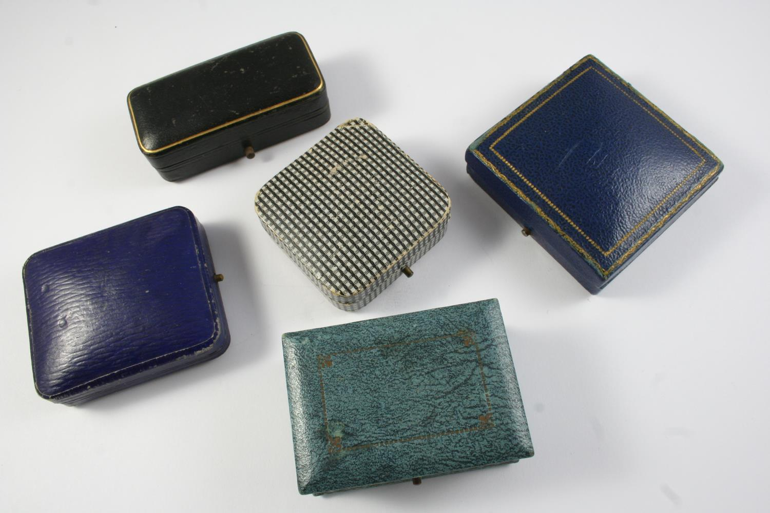 A QUANTITY OF ASSORTED JEWELLERY BOXES - Image 2 of 6