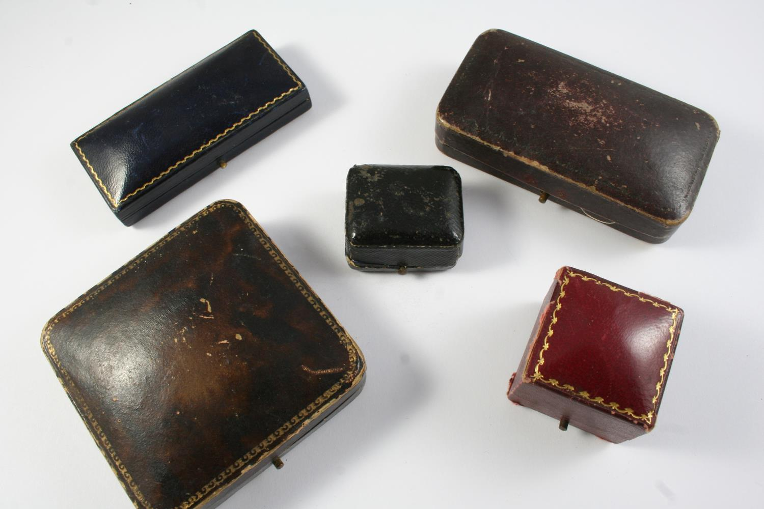 A QUANTITY OF ASSORTED JEWELLERY BOXES - Image 5 of 6