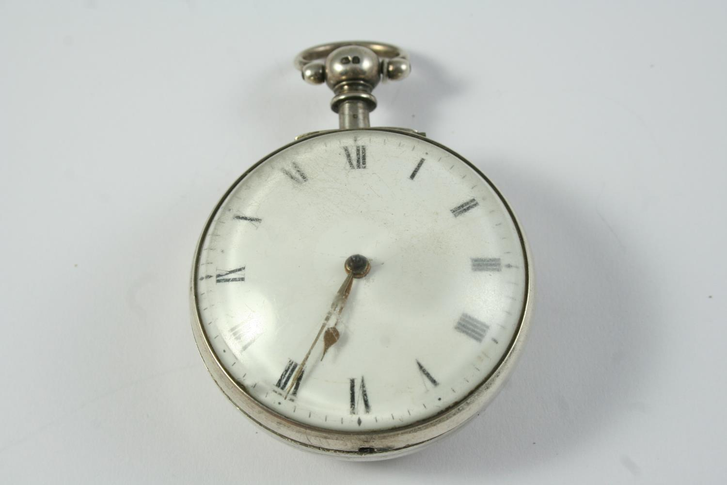A SILVER PAIR CASED VERGE POCKET WATCH the white enamel dial with Roman numerals, the movement - Image 4 of 5