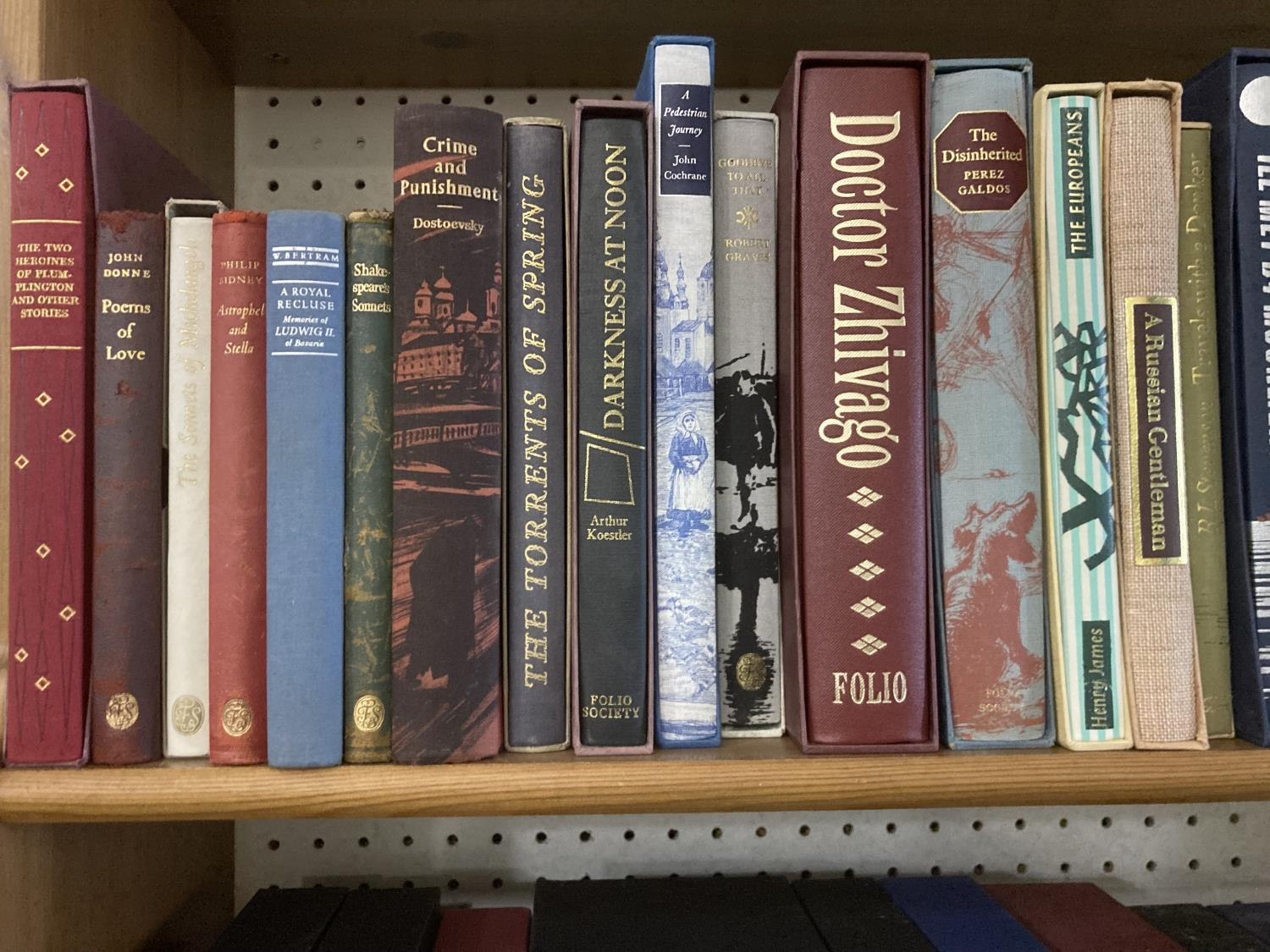 Folio Society. A group of 74 volumes, mostly literature and poetry, various bindings, most with - Image 4 of 20