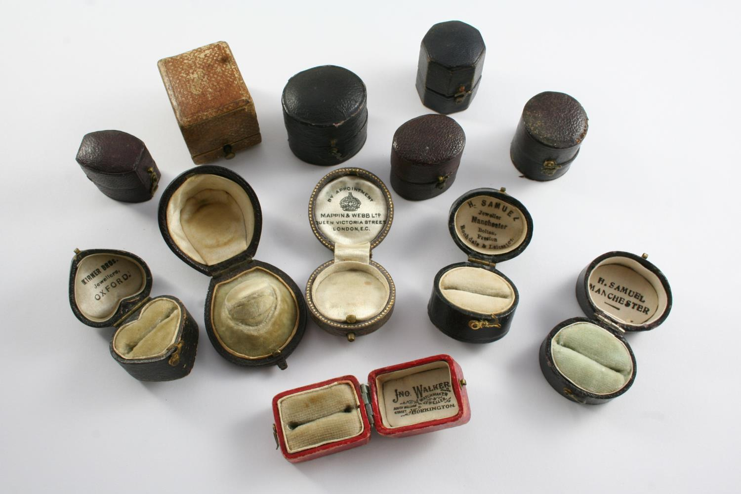 THIRTY TWO ANTIQUE RING BOXES - Image 3 of 3