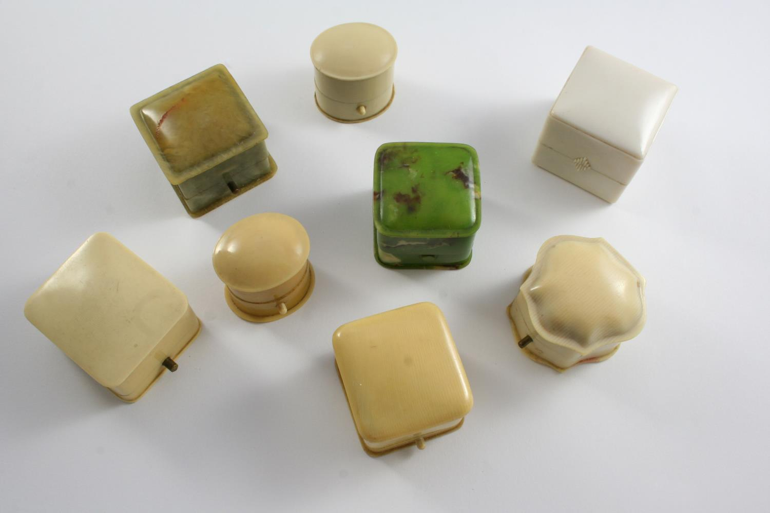 EIGHT ASSORTED ANTIQUE RING BOXES