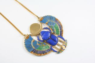 A TUTANKHAMUN SCARAB NECKLACE AND CUFF with enamel decoration, the necklace 11.4cm wide, the cuff