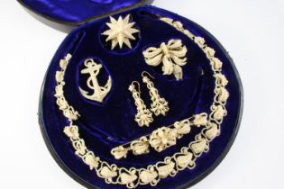 A VICTORIAN CASED SET OF SEED PEARL JEWELLERY comprising a necklace, a pair of drop earrings, an
