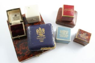 THIRTEEN ASSORTED JEWELLERY BOXES