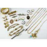 A QUANTITY OF JEWELLERY AND COSTUME JEWELLERY including a pair of 18ct gold cufflinks, engraved with