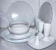 Porzellan - Konvolut, bestehend aus Bechern, Suppenschüssel, Kuchenplatten etc. Dabei Kästner Por