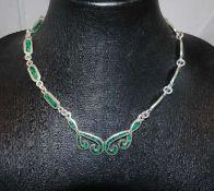 Collier, 925er Silber, besetzt mit Malachit. Länge ca. 43 cm. Gewicht ca. 54,6 gr.Necklace, 925 si