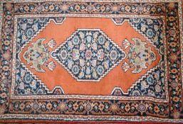 kleiner Orientteppich, Gabun Indien, handgeknüpft, mit Gebrauchsspuren. Maße: Länge ca. 95 cm, B
