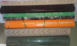 """Lot Bücher zum Thema Jagd, dabei """"Jagd-Brevier"""", """"Wo es trommelt und röhrt"""", etc.Lot of books on"""