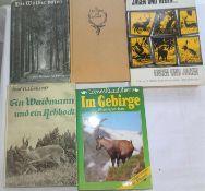 """Lot Bücher zum Thema Jagd, dabei """"Im Gebirge"""", """"Jagen und Hegen"""", etc.Lot of books on hunting, inc"""