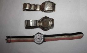 Lot Herrenarmbanduhren, insgesamt 3 Stück, dabei 1 Wate, 1x Esperanto, diese mit Gebrauchsspuren,