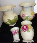 4 Keramikvasen, gleiche Serie, verschiedene Designs und Modelle. Handmalerei. Guter Zustand.4 ceram
