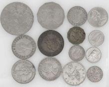 Lot Münzen Großbritannien, 11 Münzen. Dazu Irland und Australien. Insgesamt 14 Münzen.Lot of co