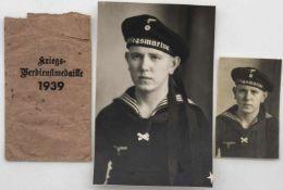 Konvolut 2. WK, bestehend aus einer Foto - Postkarte und einem Passbild eines Marine - Soldaten und
