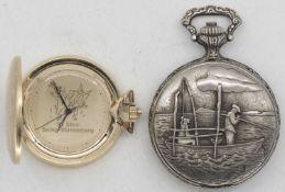 Zwei Taschenuhren, 1 x Everton De Luxe, Antimagnetic, Swiss Made. Gehäuse mit Angler - Szene. Die