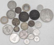 Lot Münzen aus aller Welt. Dabei Argentinien, Marokko, Kanada, Kenia, USA, Westafrika etc. Insgesa