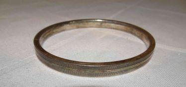 Armreif, 835er Silber, Durchmesser ca. 6,5 cm. Gewicht ca. 16,7 gr.Bangle, 835 silver, diameter app
