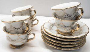 Meissen, Teilservice Moccatassen B-Form Gold, 6 Tassen, 5 Unterteller. 1 Tasse mit Unterteller 2. W