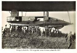 Foto Kriegsluftschiffe: Führergondel eines Armee - Luftschiffs, 1917.
