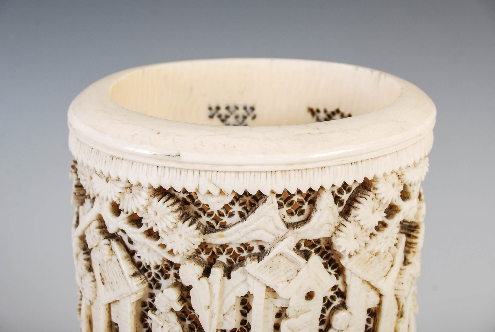 A Chinese ivory tusk vase, Qing Dynasty, carved with figures, pavilions and pine trees on a - Image 3 of 5